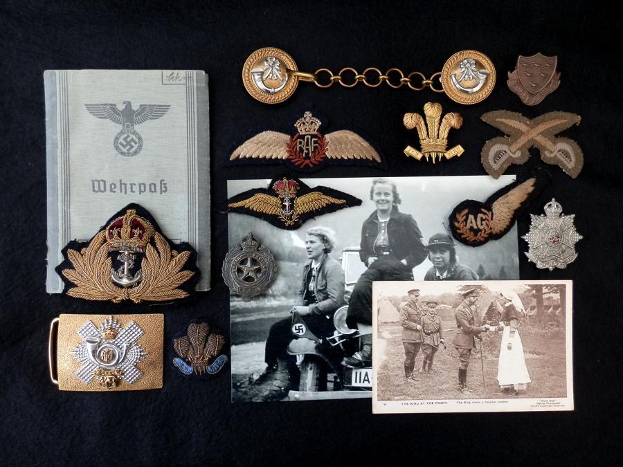 Badges & Militaria