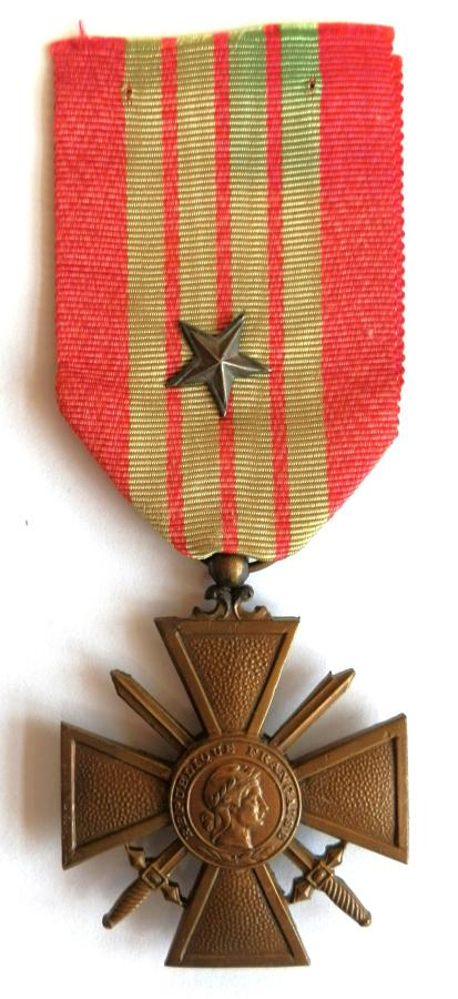 French Croix de Guerre with Bronze Star. 1939 issue.