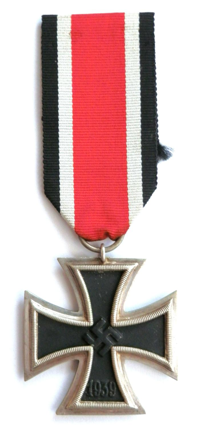 Third Reich Iron Cross, 2nd Class. Markers marked No.44
