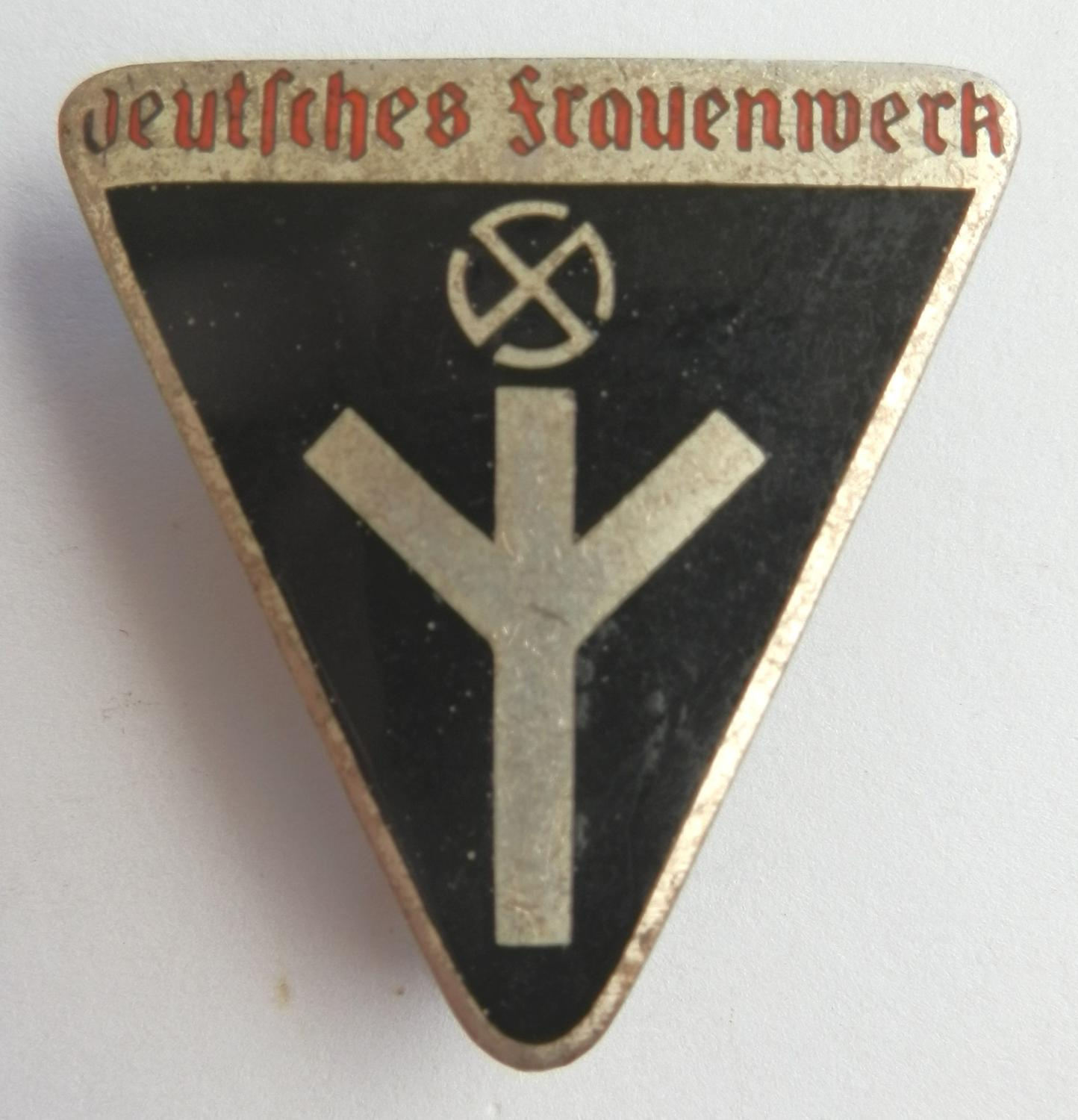 Deutsches Frauenschaft Women's Membership Pin Badge