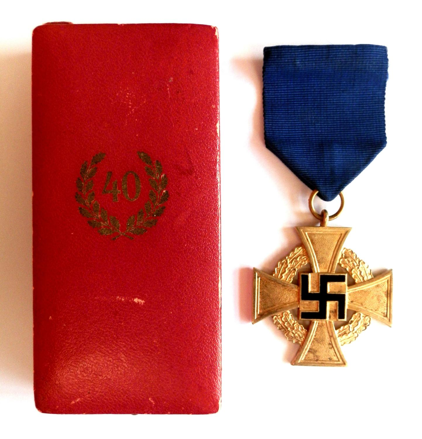 Gold 40 Years Faithful Service Medal