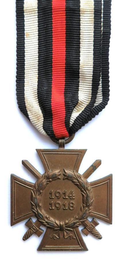 WWI Combatants Cross of Honour 1914-18. Maker marked C. Th. D.