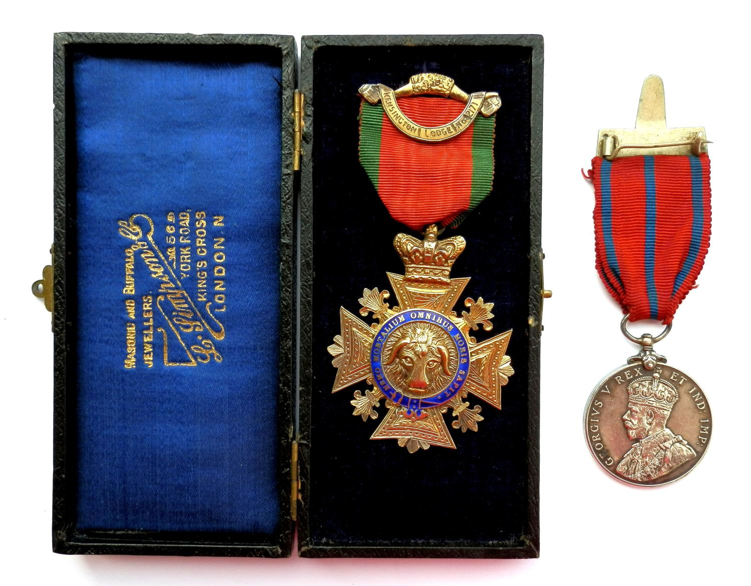 PAIR. Coronation Medal 1911. Metropolitan Police. PC. H. Thrower.