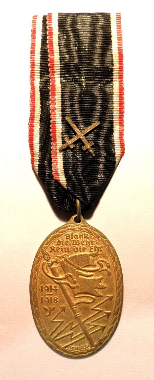 Imperial German 1914-15 Kyfthauserbond Medal with Swords.