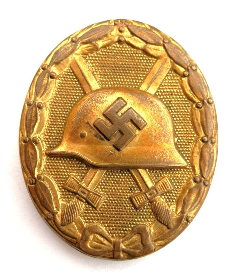 Gold Wound Badge. Non maker marked.