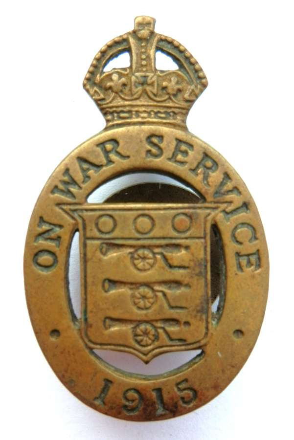 On War Service 1915 Lapel Badge.