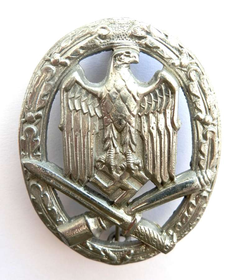 German General Assault Badge. Non maker marked