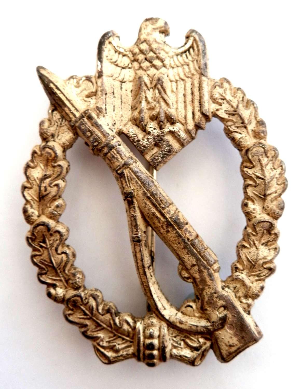 German Infantry Assault Badge. Maker Marked 'GWL'.