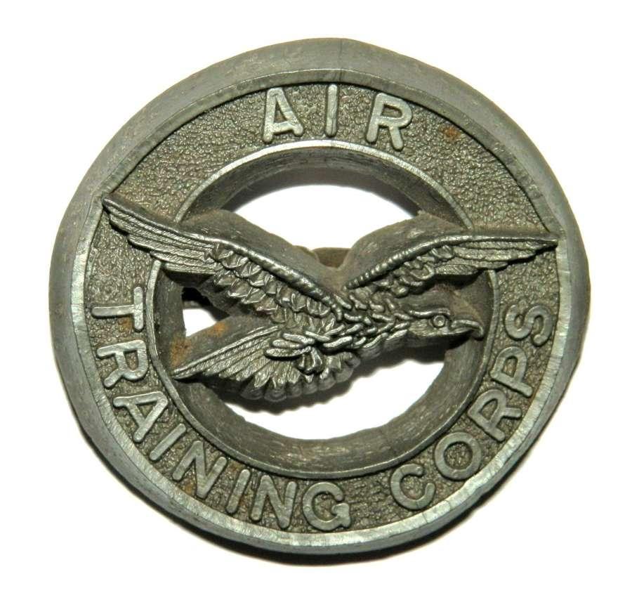 Air Training Corps. Plastic Cap Badge.
