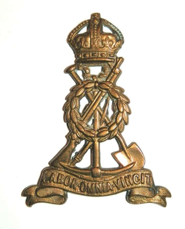 Labour Corps Cap Badge.