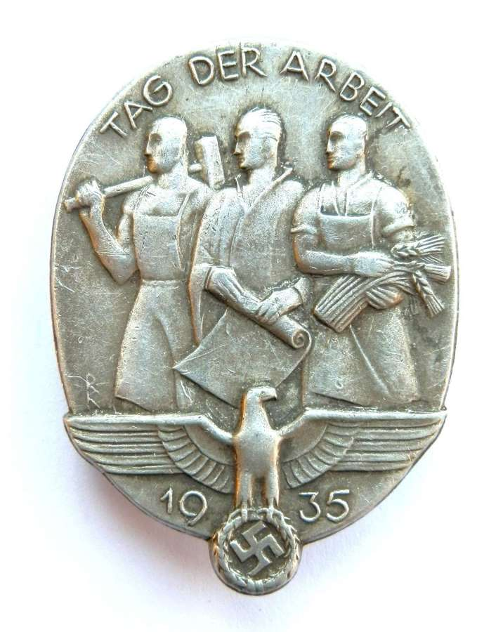 German Labour Day 1935 Badge, (Tag Der Arbeit).