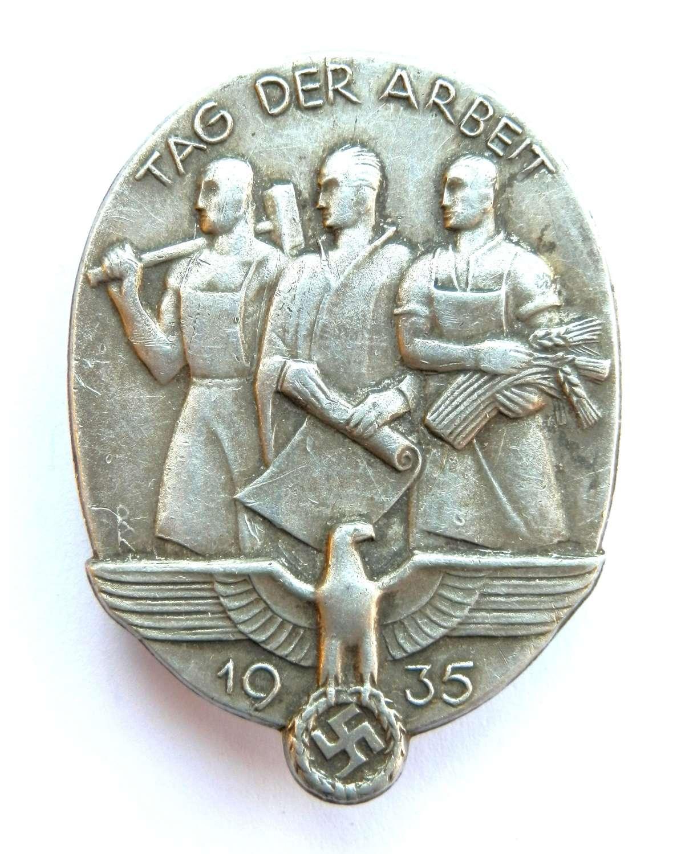 German Labour Day 1935 Badge, (Tag Der Arbeit).